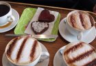 walkingtalkers enjoyed coffee and heart-shaped cakes at Flirt after the